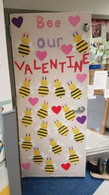 bee valentine door