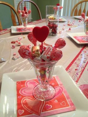 candy heart table