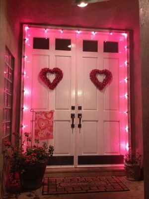 pink door light