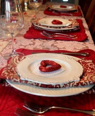 red heart table