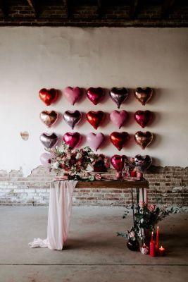 heart balloon wall
