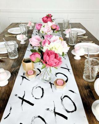 xo white table