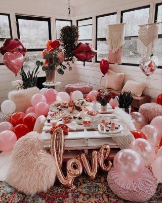 valentine décor love