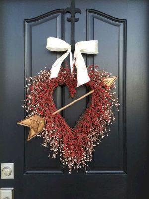 gold arrow wreath