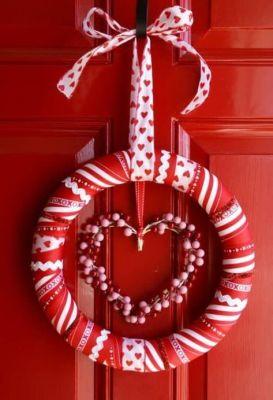 heart in circle wreath