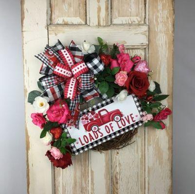 loads of love wreath