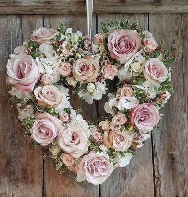 pink cream wreath