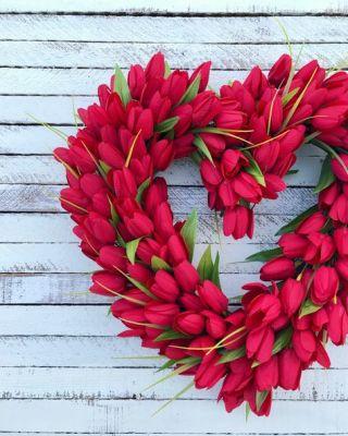 tulip red wreath