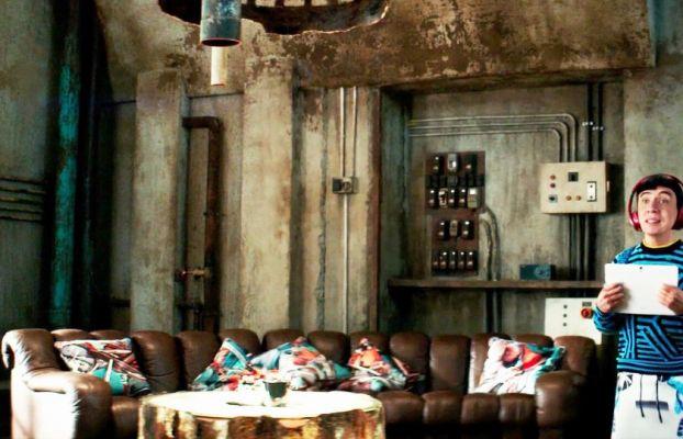 rust brown room